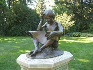 Sundial, Boy with Spider – Indianapolis, Indiana, USA Border Sundials