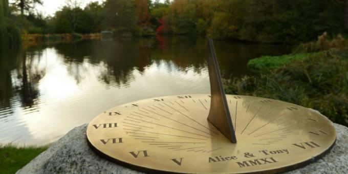 Quitsato Sundial  - El Reloj Solar Quitsato Border Sundials