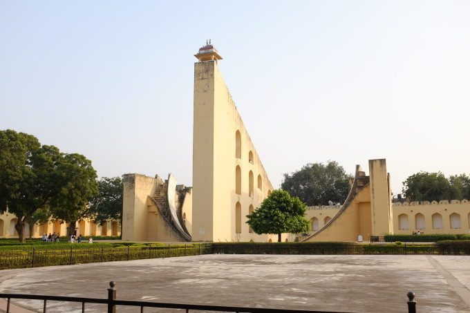 The Samrat Yantra Border Sundials