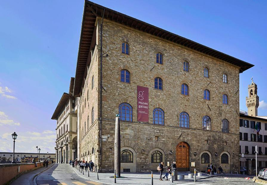 The Monumental Sundial – Florence, Italy Border Sundials