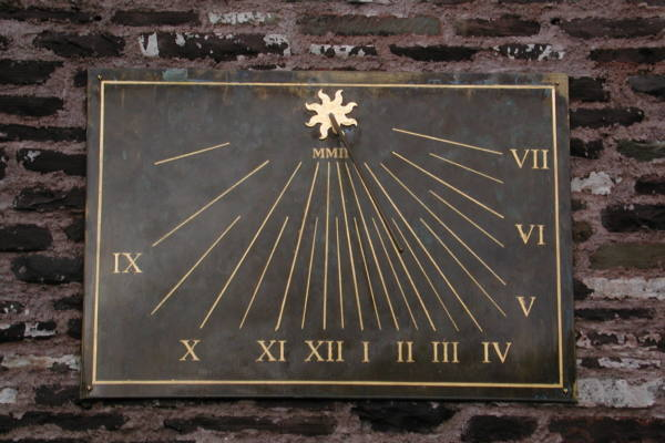 Vertical Border Sundials